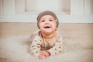 חימום תת רצפתי לחימום הבית עם תינוק